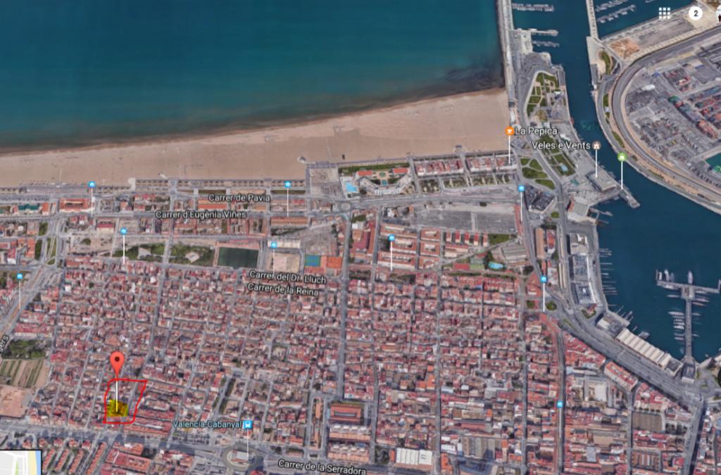 Edificio junto a la playa de Valencia, en la calle FELIPE VIVES DE CAÑAMAS nº 20 EL CABANYAL
